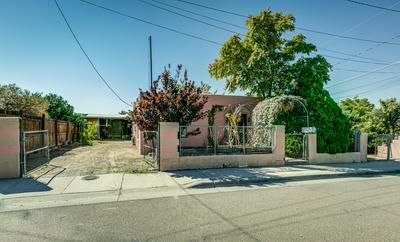 604 TEXAS AVE, Las Cruces, NM 88001 - Photo 2