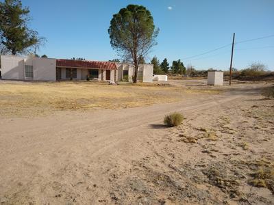 1553 AVENIDA DE QUINTAS, Las Cruces, NM 88005 - Photo 2