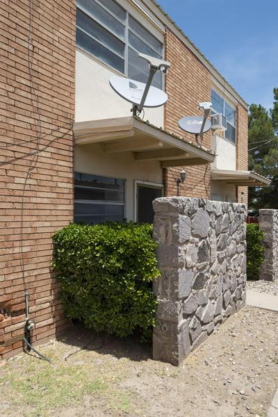 1401 ALAMO ST APT D, Las Cruces, NM 88001 - Photo 2