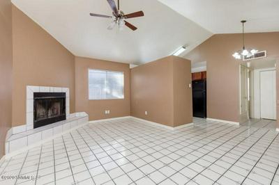 913 LUNA ST, Las Cruces, NM 88001 - Photo 2