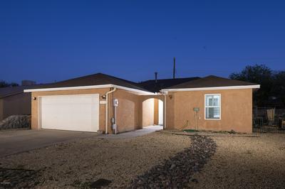 1129 WINTON CIR, Las Cruces, NM 88007 - Photo 1