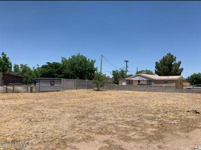 943 AUGUSTINE AVE, Las Cruces, NM 88001 - Photo 1