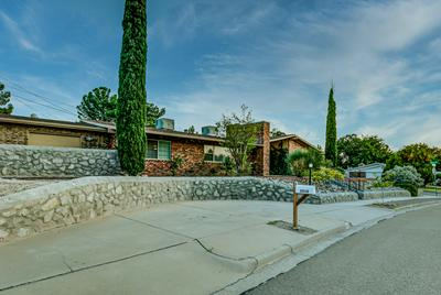 2050 ODONNELL DR, Las Cruces, NM 88001 - Photo 2
