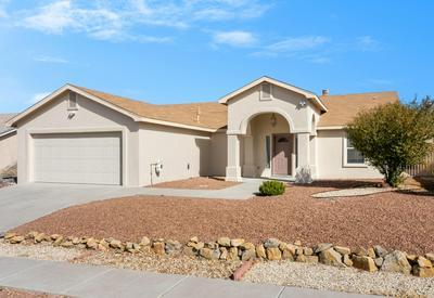2052 FRAN DR, Las Cruces, NM 88007 - Photo 2