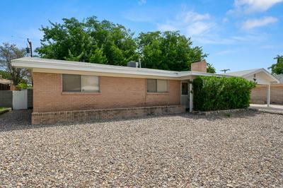 2065 THOMAS DR, Las Cruces, NM 88001 - Photo 2