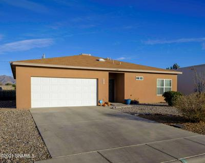 5587 PATAGONIA DR, Las Cruces, NM 88011 - Photo 1