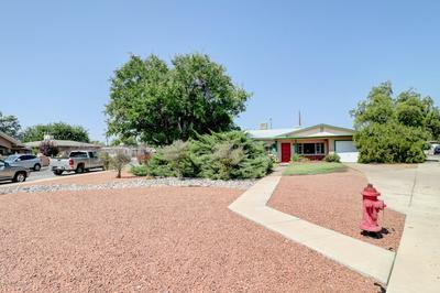 126 W CAMBRIDGE DR, Las Cruces, NM 88005 - Photo 2