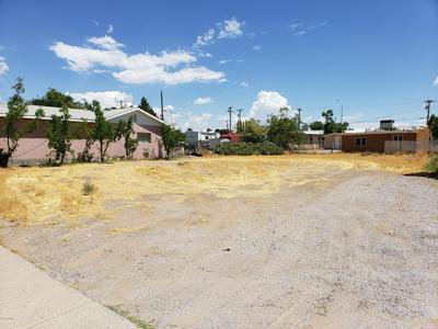 420 FIR AVE, Las Cruces, NM 88001 - Photo 2