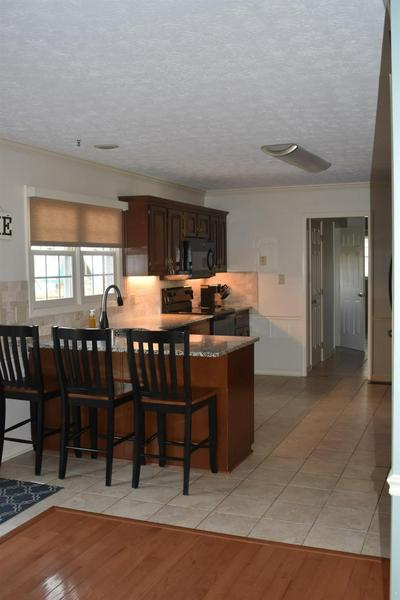 412 NORMANDY RD, Versailles, KY 40383 - Photo 2