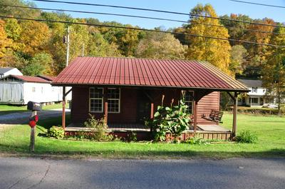 742 OLD HIGHWAY 172, West Liberty, KY 41472 - Photo 2