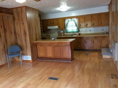 111 HOUSE BRANCH RD, Manchester, KY 40962 - Photo 2
