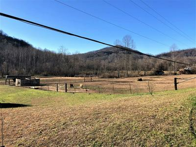 987 MOORES CREEK ROAD, Barbourville, KY 40906 - Photo 2