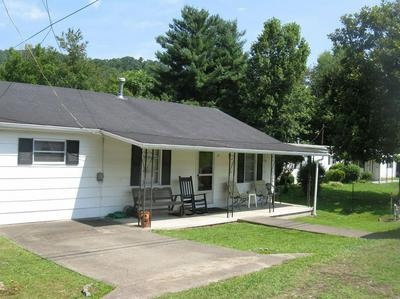 29 BOWLING ST, Manchester, KY 40962 - Photo 2