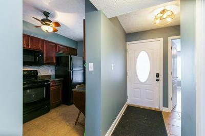 2414 LAKE PARK RD APT 4304, Lexington, KY 40502 - Photo 2