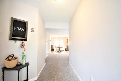 1604 NORWOOD CIR, Lexington, KY 40515 - Photo 2