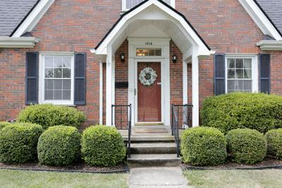 1414 COCHRAN RD, Lexington, KY 40502 - Photo 2
