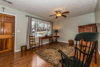 112 BROOKFIELD DR, Frankfort, KY 40601 - Photo 2
