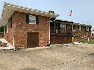 105 GREENWAY DR, Flemingsburg, KY 41041 - Photo 2
