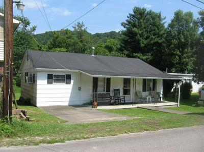 29 BOWLING ST, Manchester, KY 40962 - Photo 1