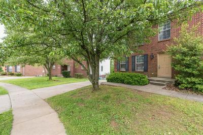 614 SHERARD CIR, Lexington, KY 40517 - Photo 1