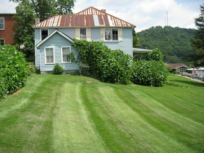 302 MAIN ST, Manchester, KY 40962 - Photo 2