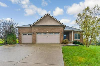 605 FALCON CREST CT, Richmond, KY 40475 - Photo 2