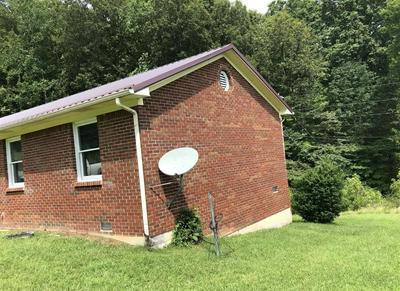 147 SHORT HOLLOW RD, Beattyville, KY 41311 - Photo 2