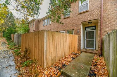 317 BAINBRIDGE DR APT D, Lexington, KY 40509 - Photo 2
