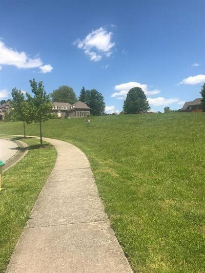 3684 BARROW WOOD LN, Lexington, KY 40502 - Photo 2