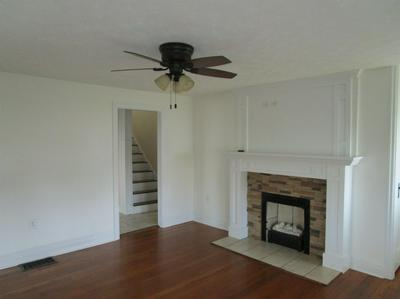 385 BIG HILL AVE, Richmond, KY 40475 - Photo 2