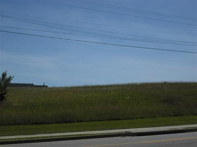 8251 MAIN ST, Jeffersonville, KY 40337 - Photo 2