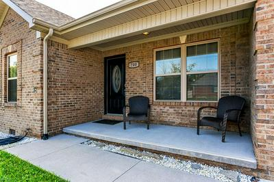 700 CANDLEWOOD DR, Berea, KY 40403 - Photo 2
