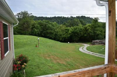 499 SMITH RD, Manchester, KY 40962 - Photo 2