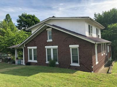 941 HIGHLAND AVE, Jackson, KY 41339 - Photo 2
