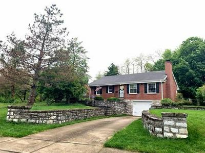 195 JESSELIN DR, Lexington, KY 40503 - Photo 1