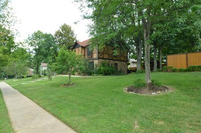 3346 MANTILLA DR, Lexington, KY 40513 - Photo 2
