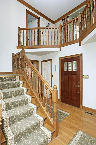 2360 WOODFIELD CIR, Lexington, KY 40515 - Photo 2