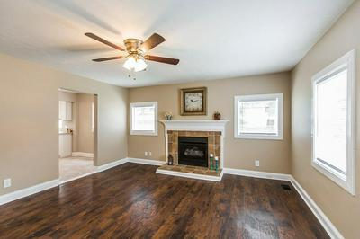 101 BELLEVUE DR, Richmond, KY 40475 - Photo 2