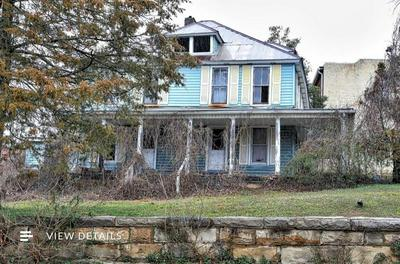 302 MAIN ST, Manchester, KY 40962 - Photo 1