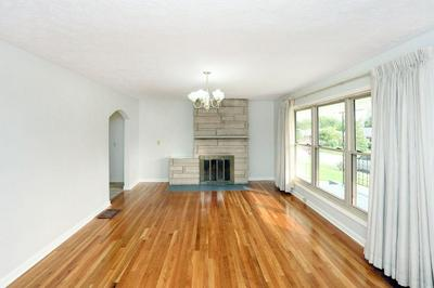 21 LOCUST DR, Winchester, KY 40391 - Photo 2