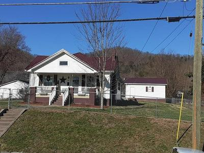283 BROADWAY ST, IRVINE, KY 40336 - Photo 1