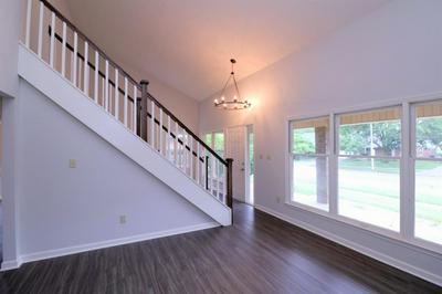 333 SQUIRES RD, Lexington, KY 40515 - Photo 2