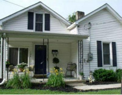 124 SIMMONS ST, Versailles, KY 40383 - Photo 1