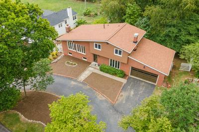 1621 PARKERS MILL RD, Lexington, KY 40504 - Photo 2