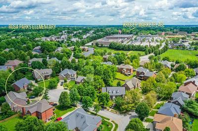 913 CALHOUN CIR, Lexington, KY 40513 - Photo 2