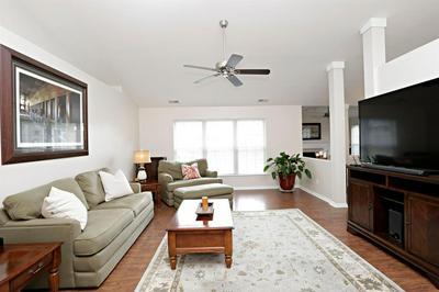 288 MEADOW VALLEY RD, Lexington, KY 40511 - Photo 2