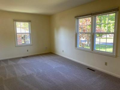 550 ALBANY RD, Lexington, KY 40502 - Photo 2