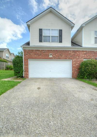 124 HOMESTEAD DR, Nicholasville, KY 40356 - Photo 1