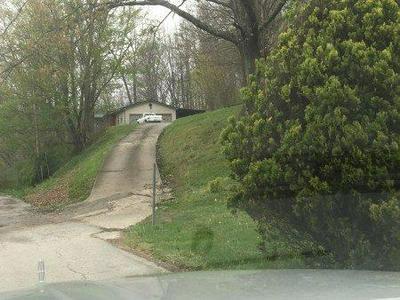 82 CLOVER RIDGE RD, Barbourville, KY 40906 - Photo 2