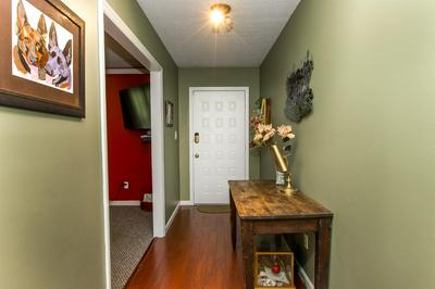 512 SHEFFIELD DR, Versailles, KY 40383 - Photo 2